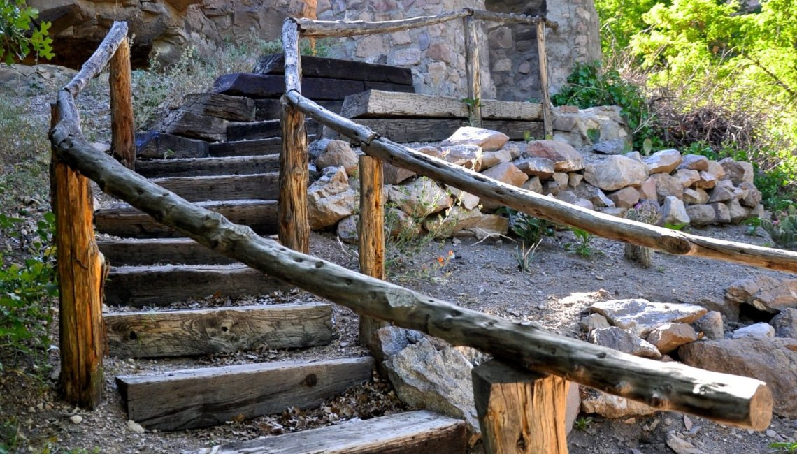 KR Wooden Stairs